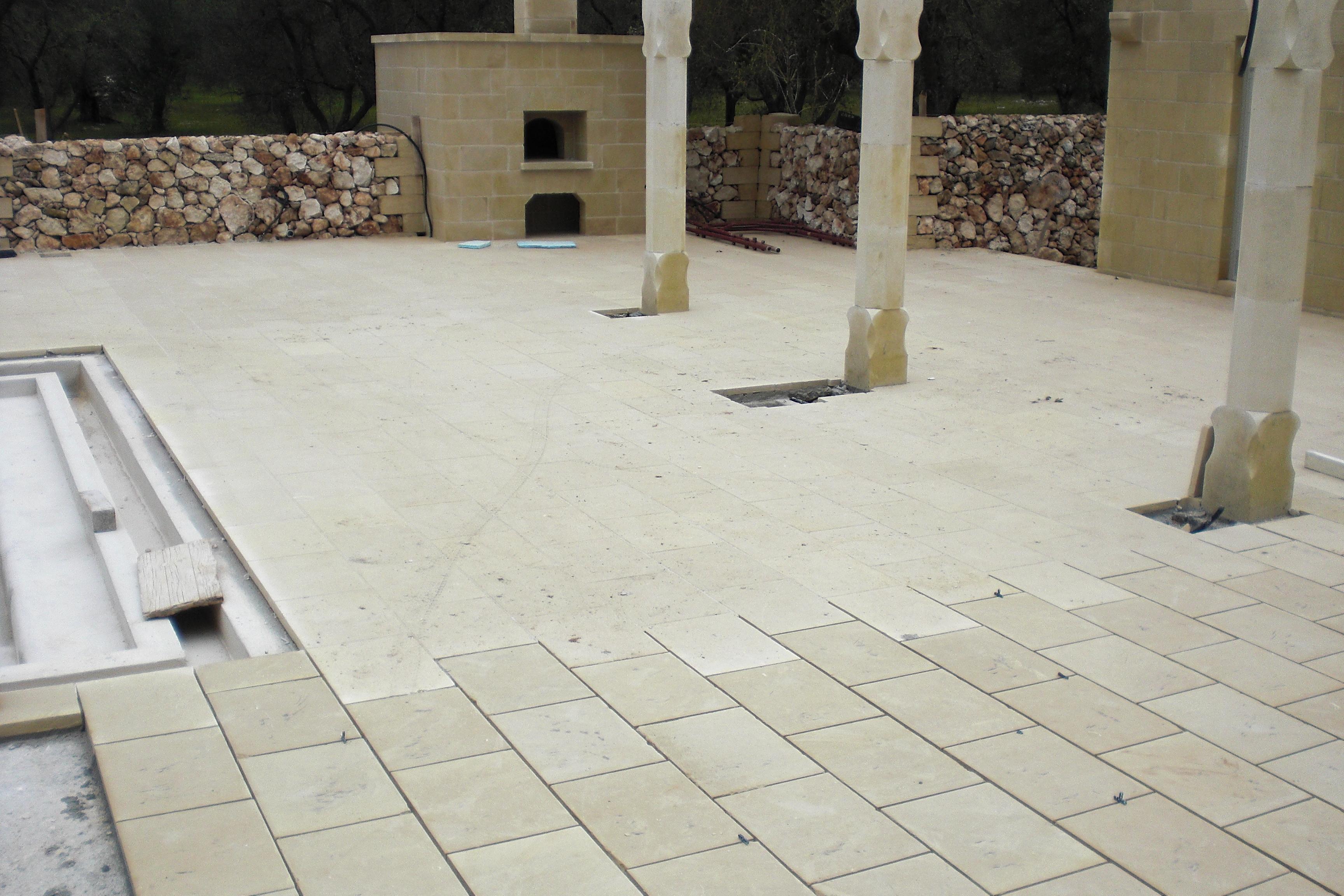 Tecnica e istruzioni per la posa di lastre in pietra for Cartapesta leccese tecnica